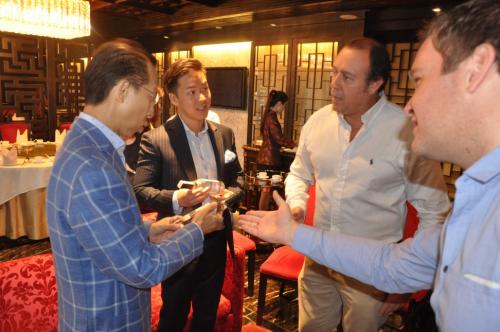 羅掌權主席與秘魯商務團體會面